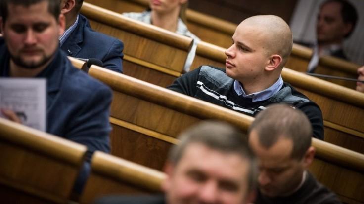 Výbor chcel odsúdiť výroky kotlebovcov, pri hlasovaní však chýbali poslanci