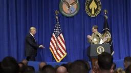 Trump sľúbil ozbrojeným silám USA historickú finančnú investíciu