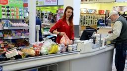 Podiel našich potravín na trhu je nízky. Poľnohospodári vinia reťazce