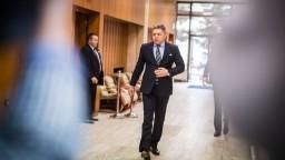 Fico informoval o nových vyhláškach, kritiku opozície odmieta