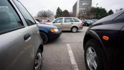 Pokuty pre vodičov bez technickej a emisnej kontroly by sa mali znížiť