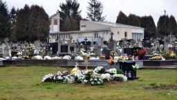 Prešov by chcel rozšíriť cintorín, blokuje pritom súkromné pozemky