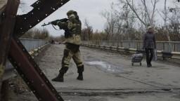 Na Ukrajine sa rozlúčili s tragicky zosnulým veliteľom separatistov
