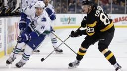 NHL: Cehlárik debutoval za Boston výhrou nad Vancouverom