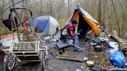 Štát prispeje viac organizáciám, ktoré pomáhajú bezdomovcom