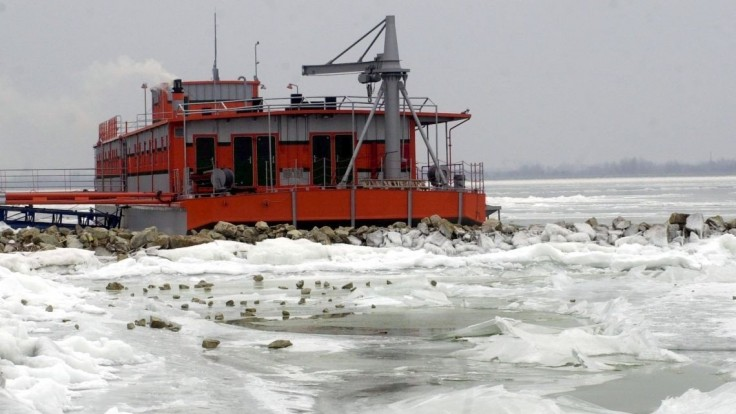 Ľadové kryhy strhli maďarského lodníka, zachraňoval ho vrtuľník