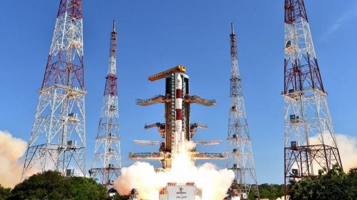 Indická raketa prekonala rekord, naraz vyniesla desiatky družíc