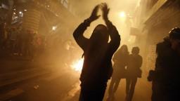 V Paríži bojujú proti policajnej brutalite, došlo k viacerým stretom