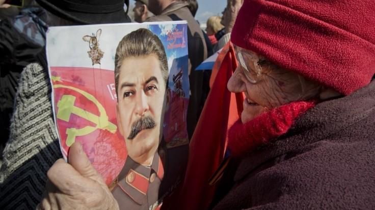 K Stalinovi inklinuje čoraz viac Rusov, najpopulárnejší je Putin