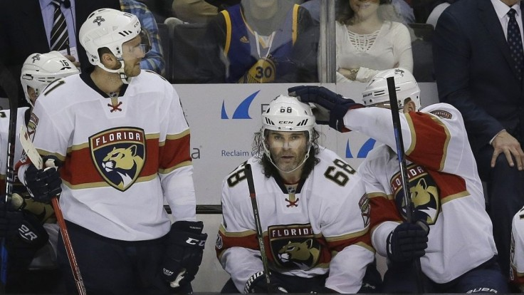 NHL: Jágr s ďalším historickým zápisom, Hutton s čistým kontom