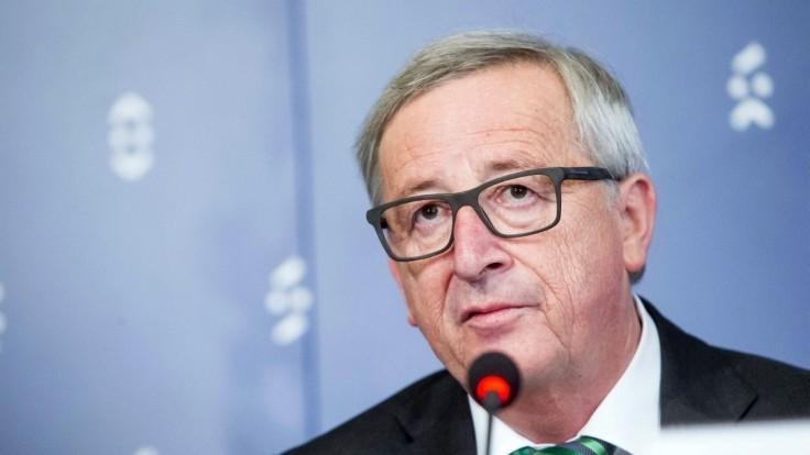 Odolajme americkému tlaku na zvýšenie výdavkov na obranu, vyzval Juncker