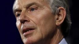 Briti sa majú vzbúriť proti Brexitu, presviedča expremiér Blair
