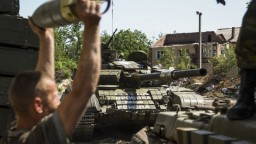 Putin uznal doklady vydané separatistami, Kyjev hovorí o okupácii