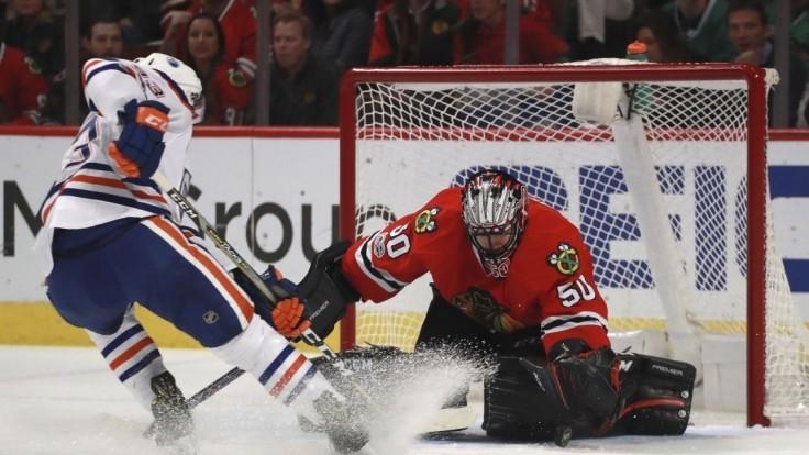 NHL: Pánikov gól nezabránil prehre Chicaga, Tatar skóroval