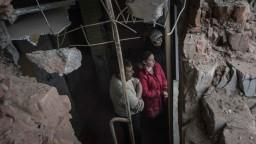 Skrývajú sa v pivnici. Obyvatelia Avdejevky sú voči prímeriu skeptickí