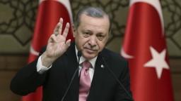 Kampaň za posilnenie svojich právomocí chce v EÚ osobne robiť aj Erdogan