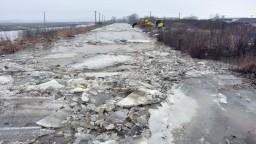 Odmäk zvyšuje hladiny riek, v obci na Zemplíne hrozí povodeň
