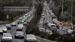 Štrajk komplikuje dopravu v Aténach, v uliciach vznikajú zápchy