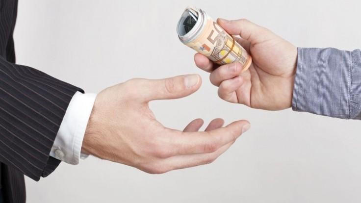 Fico: Neexistuje nikto, kto by mal byť za korupciu omilostený