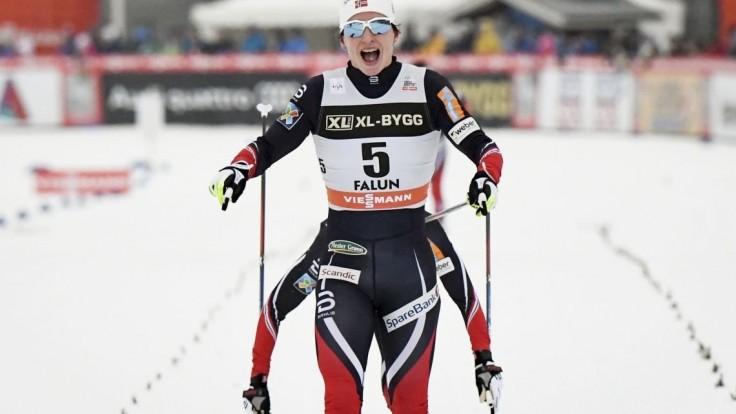 Björgenová po tretí raz šampiónkou v skiatlone, Procházková obsadila 34. priečku