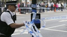 V Londýne vrazilo auto do skupiny chodcov, päť ľudí skončilo v nemocnici