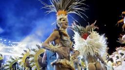 Karneval v Riu vrcholí, oslavy sú pre mesto zlatou baňou