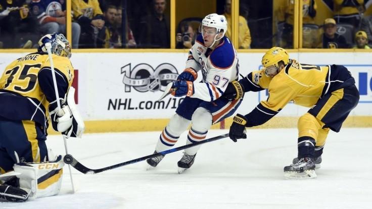 NHL: Štyri slovenské asistencie a Jurčov debut za Chicago