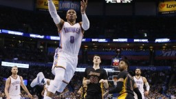 NBA: Westbrook sa stal hrdinom zápasu proti New Orleans