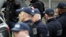 V Berlíne vo veľkom zasiahli proti islamistom. Prehľadali byty aj cely