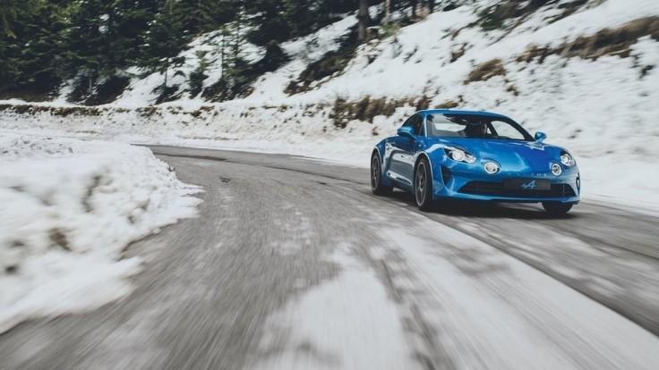 Renault oživil značku Alpine, tu sú obrázky sériového kupé A110