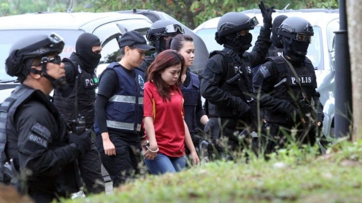 Z vraždy Kimovho brata obvinili dve ženy, hrozí im trest smrti