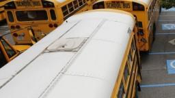Na juhu otestujú školské autobusy, v prípade úspechu sa rozšíria