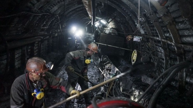 Uhoľnou baňou otriasol výbuch, pod zemou sa nachádzali desiatky ľudí