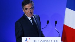 Vyšetrovatelia prehľadali byt prezidentského kandidáta Fillona
