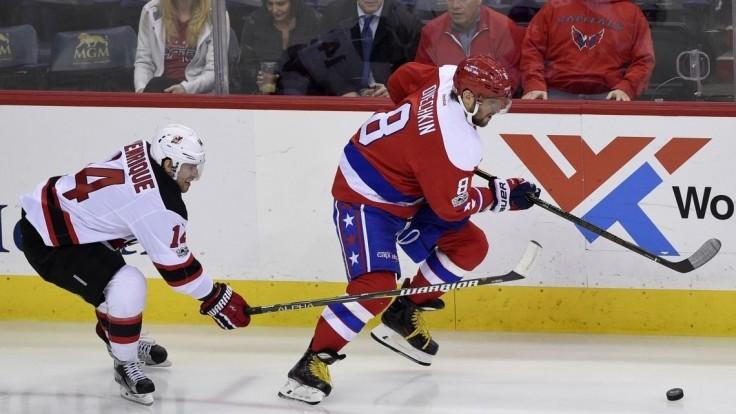 NHL: Washington s klubovým rekordom, Holtby vychytal nulu