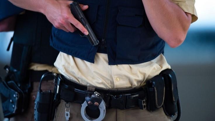 Nemecká polícia vyšetrovala dvoch Slovákov, našla drogy aj zbrane