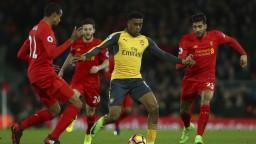 Liverpool si poradil s Arsenalom, nahradil ho v elitnej štvorke