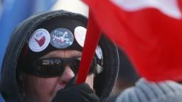 Poliaci nesúhlasia so zákazom potratov, pochodovali v uliciach