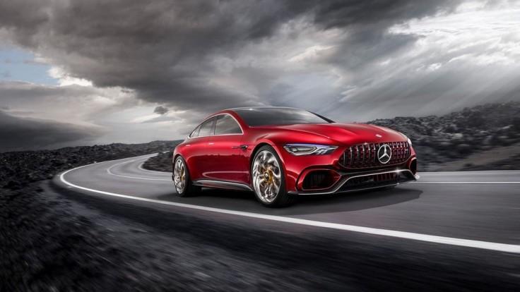 Štvordverový Mercedes-AMG GT bude konkurovať Panamere