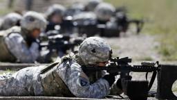 NATO už nie je svetom mužov, šéf aliancie tak vyzval ženy do ozbrojených síl