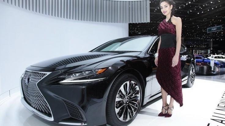 Lexus posúva hybridný pohon na novú úroveň. Vďaka prevodovke