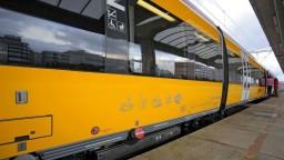 České vlaky RegioJetu zastavila správa, že je v nich nastražená bomba