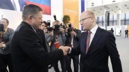 ČSSD schválila dlhodobý program, Fico zagratuloval Sobotkovi