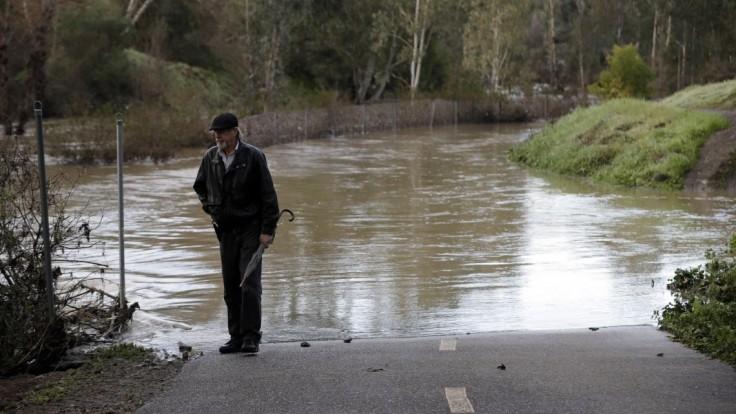 Nový Zéland zasiahla silná búrka, ľudia zostali bez elektriny