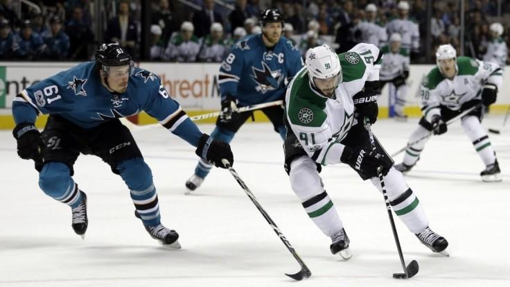 NHL: Hossa pomohol k víťazstvu Chicaga, Tatar aj Sekera s prehrami 1:4