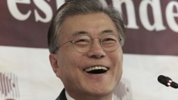 Favoritom na prezidenta Južnej Kórey je bývalý protikandidát zosadenej Pak Kun-hje