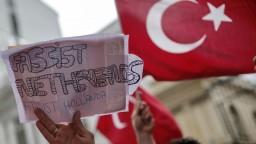 Diplomatický spor s Tureckom sa vyostruje, úlohu zohrali aj tulipány