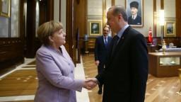Erdogan opäť útočil na Nemecko. Podporujete terorizmus, odkázal