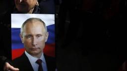 """Odhalili """"otca"""" ruskej propagandy na Slovensku, dostával tisícky eur"""