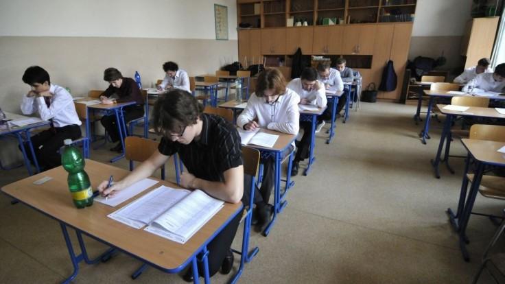Maturanti písali sloh zo slovenčiny. Z týchto tém si mohli vybrať